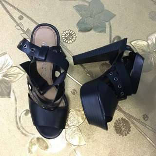 Mary Paz Black Heels