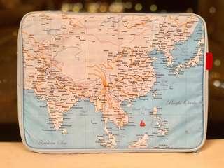 Homeless 世界地圖 15吋Laptop case