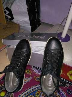 Sepatu hitam/Fladeo shoes black