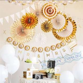 Gold fan birthday party decoration