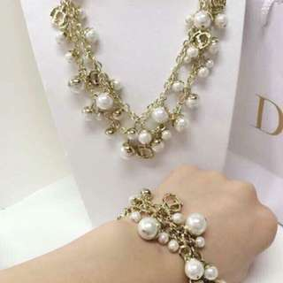 Authentic Dior pearl accesories!