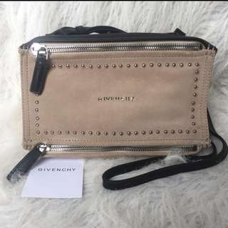 Preloved Authentic Givenchy pandora bag!