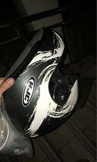 Selling hjc full face helment size s