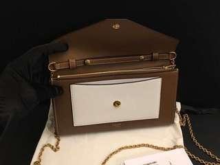 Celine chain wallet 英國代購,(原價HKD8500)