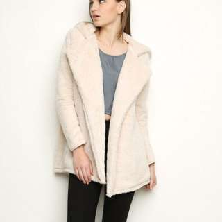 Brandy Melville Sandra fur coat