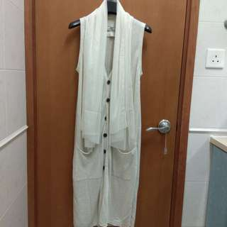 Initial size 2 米白色針織背心外套