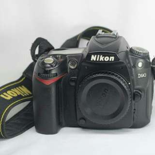 NIKON D90 SC60K