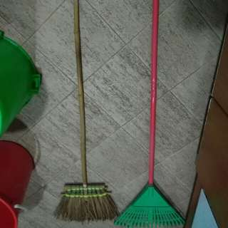 Leaf Sweepers; Gardening Brooms