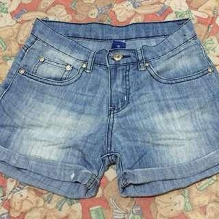 Girl's denim shorts 2