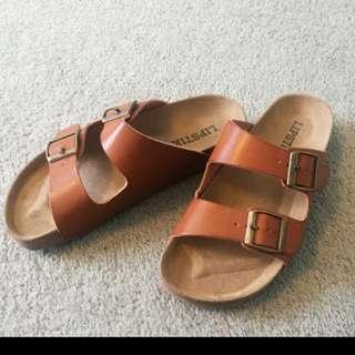 Lipstik Birkenstock sandals