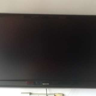 "42"" LCD TV (Toshiba)"