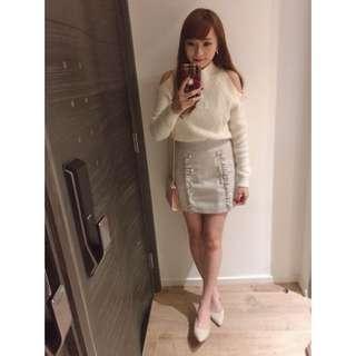 白色露肩冷衫