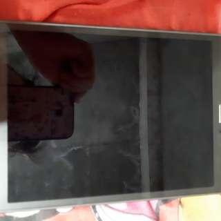 Samsung TabA.. naay paksit sa pero walay scratch sa front niya..frer accessories na