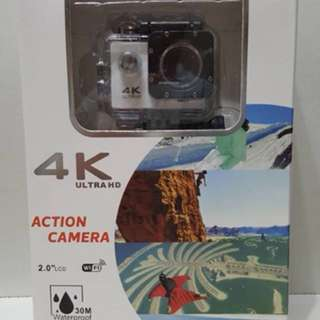 Action camera 4K with waterproof casing