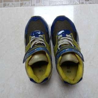 Sepatu anak uk 4- 5 thn