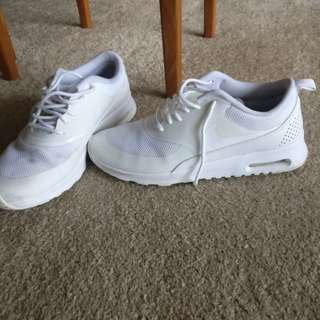 Authentic Nike Air Max Theas