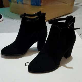 onhand shoes
