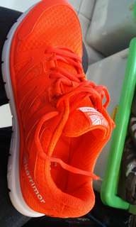 Sepatu running karrimor