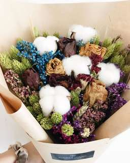 Designer cotton mixed baby's breath bouquet