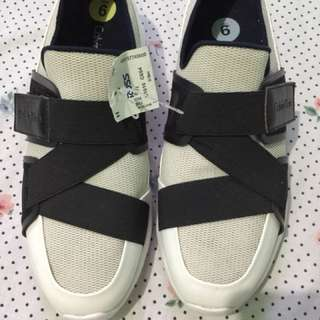 Brandnew Calvin Klein Shoes from US