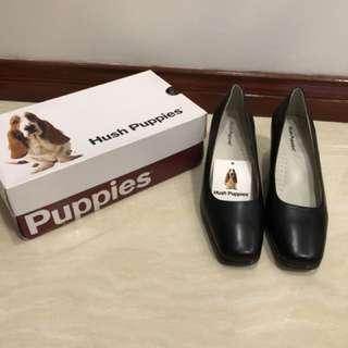 Hush puppies black shoes