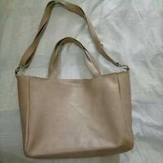 Moira Bag (@dresstokillvintagebag)