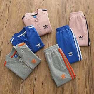 🚼《預》✨2018春季新款✨代購 Adidas 愛迪達 三葉草 小童大童 純棉薄款休閒運動兩件式套裝
