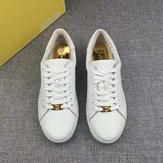 Michael Kors 小白鞋