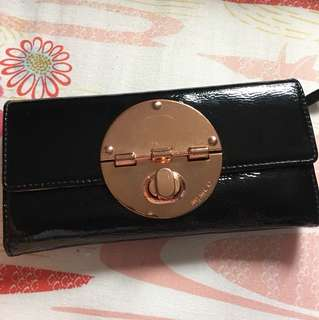 Mimco Turnlock Wallet (Rosegold/black patent)