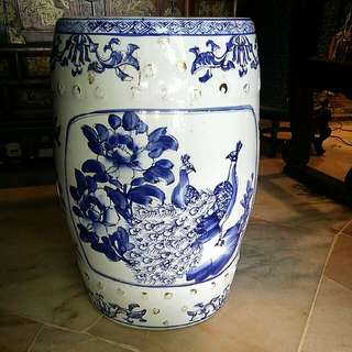 Chinese Vintage Porcelain  Blue White Stool Peacock Pheonix