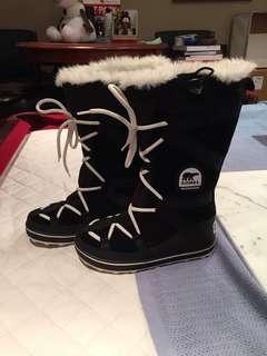 Sorel Women's Winter Boots 7.5