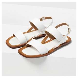Zara Plain White Flat Sandals In Size 37