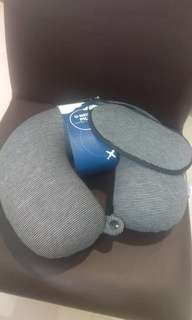 U-Neck Pillow for Travel with Eye Mask