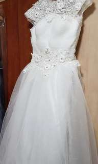 (BNIB) Lace Neckline, High Collar, Satine Bodice, Full Skirt, Lace Up Back White Wedding Gown