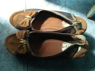 Sepatu Wesya