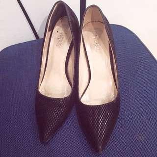 Sepatu Motif Kulit Ular 🐍👠