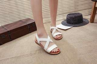 700# Size 35-39  400