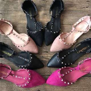 (35~41) Soft bottom embroidery single shoes spring and autumn 2018 new wild Korean rhinestone rivets pointed flat shoes scoop shoes shoes shoes