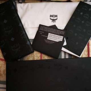 全新MCM黑色經典印花長銀包,特多卡片位,有埋收據,From韓國樂天百貨,LV, Gucci,