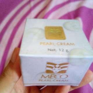Waxvac Alat Pembersih Telinga - Putih. Source · Cream muka