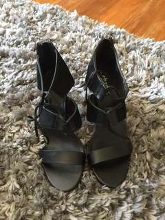 NWOB Charles David Black Strappy Heels sz 7