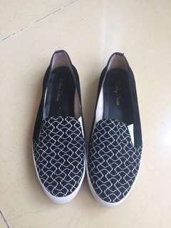 Slip On Black n White