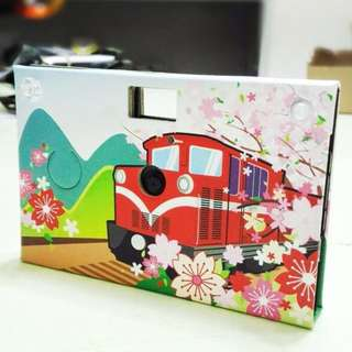[半價]{送1Gb SD卡}Paper Shoot 紙可拍 創意紙相機 數位相機 Lomo復古風 交換禮物 台灣品牌 (櫻花火車)(100% NEW)