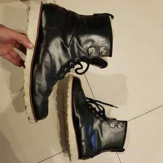 Sepatu Boots Musim Dingin / Winter UGG