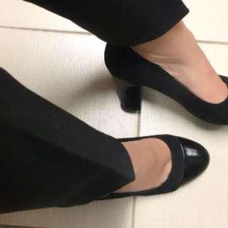 Sepatu pantofel kerja hitam black high heels