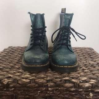 Dr marten green 8 eye boot