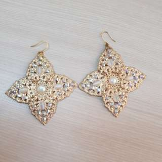 Anting gold plated