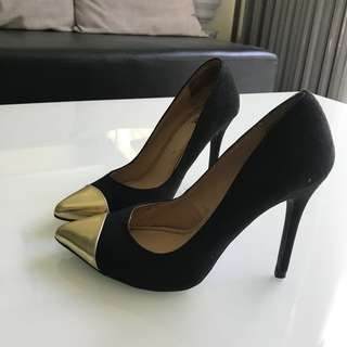 Black/Gold Stilettos
