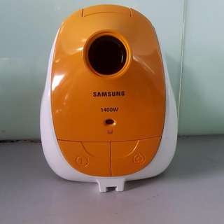 SAMSUNG CANISTER VACUUM (BRAND NEW)