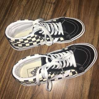 OLD SKOOL HIGH CUT CHECKERED SHOES